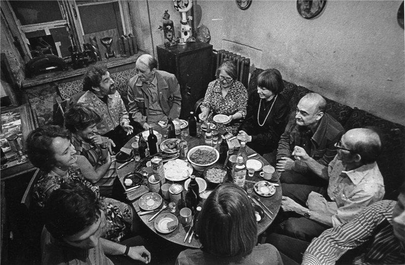 Vadim Sidur receiving guests at home