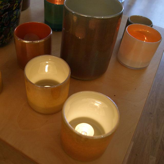 Des Pots poederglas vazen en lichtjes bij Schreuder & Kraan in Haarlem