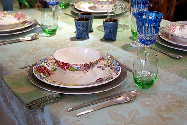 Le Jacquard Français tafelkleed Sakura celadon bij Schreuder & Kraan