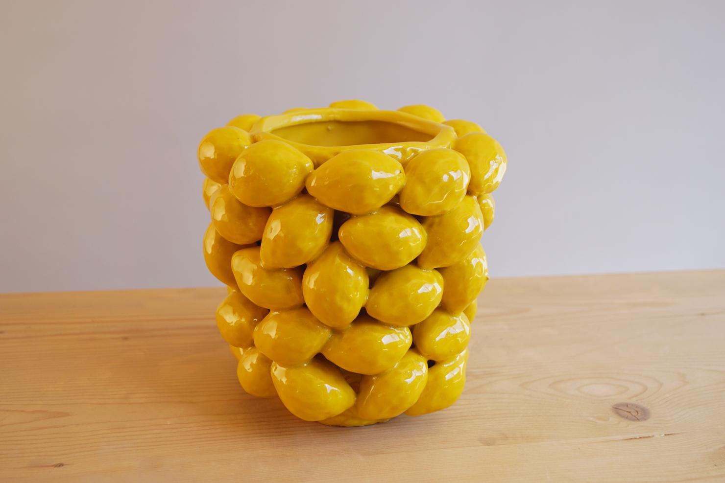 De citroenvaas of citroenpot van Des Pots, verkrijgbaar bij Schreuder & Kraan in Zwanenburg